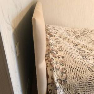 Подушки на изголовья  кровати - до